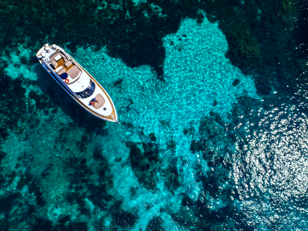 Azure Ultra yacht in Comino